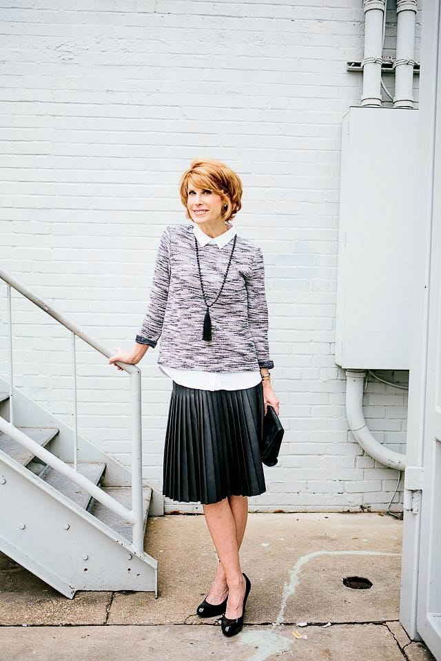 the-middle-page-pleated-skirt