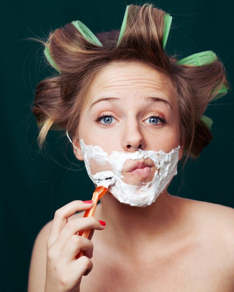 Почему у женщин растут волосы на подбородке: лечение гирсутизма