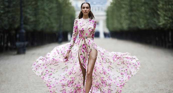 Платье с цветочным принтом, с чем носить и куда одеть